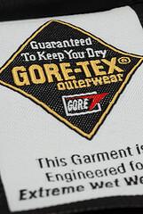 新聖品 – GORE-TEX 外套